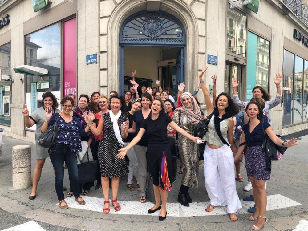 Photo de groupe au sortit de la première réunion grenobloise de Bouge ta boîte © Bouge ta boîte