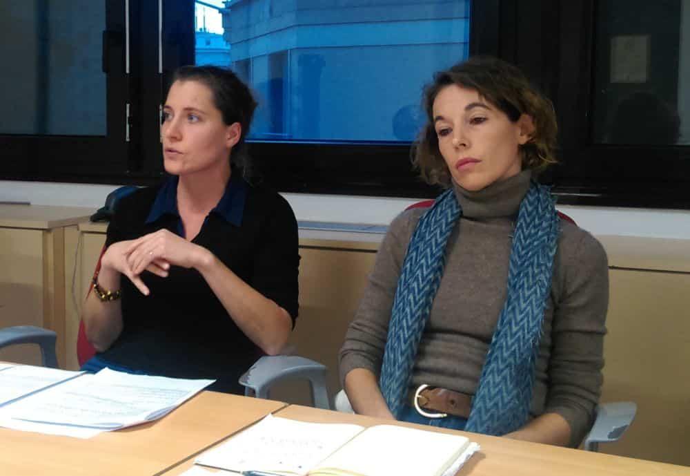 Flavie Rebotier et Amandine Germain, élues d'opposition socialiste du Département, toutes deux signataires de la pétition © Florent Mathieu - Place Gre'net