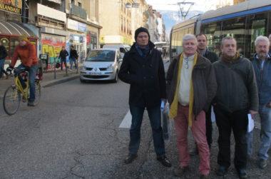 Quelques membres actifs du collectif Le vélo qui marche, décembre 2018 © Séverine Cattiaux - placegrenet.fr
