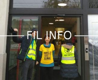 Les militants d'ANV-Cop21 sont allés à la rencontre des salariés de la Société générale pour dénoncer le soutien de la banque au gaz de schiste.