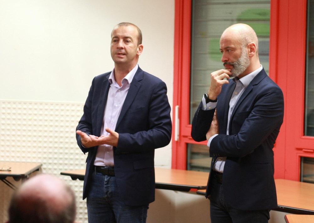 Matthieu Chamussy et Stéphane Gemmani lors d'une réunion publique. © Grenoble 2020 nous rassemble.