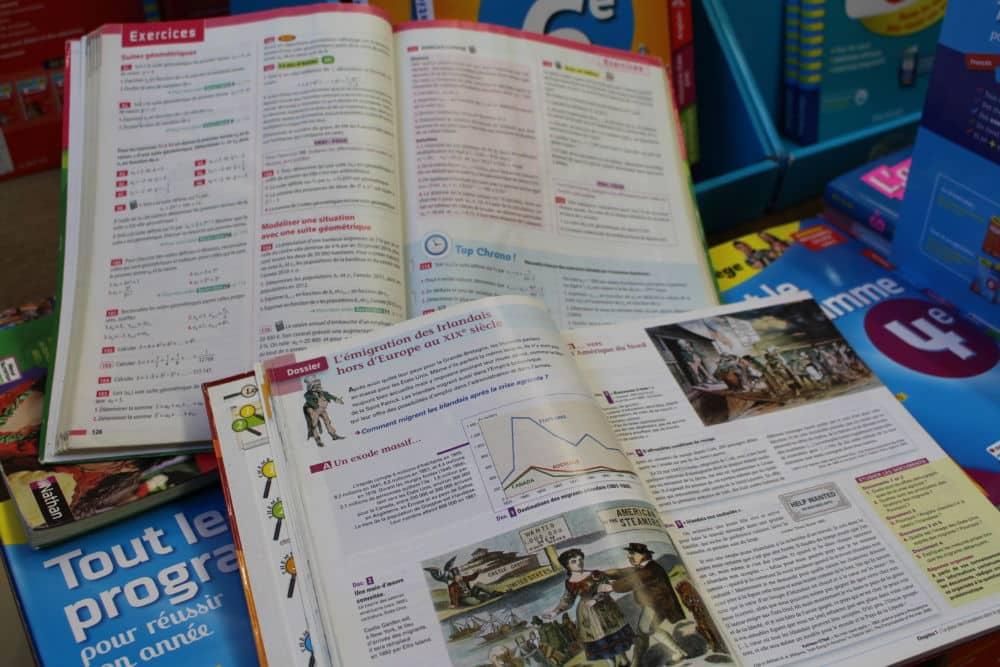 Les manuels scolaires optionnels et de spécialités sont désormais couverts par la Région à hauteur de 20 euros supplémentaires sur le Pass Région © Jules Peyron - Place Gre'net