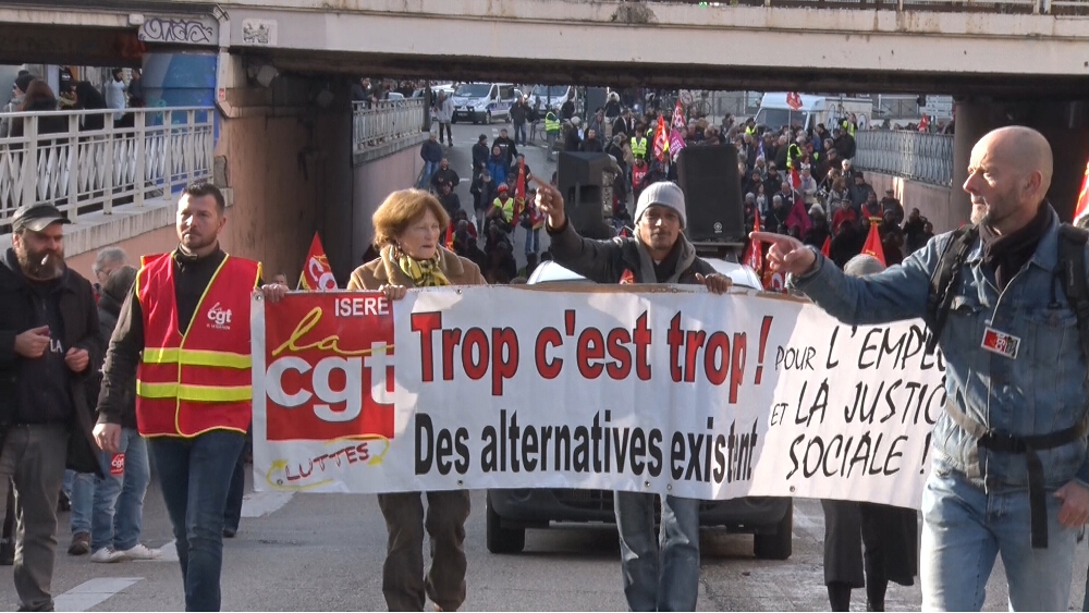 Plusieurs organisations syndicales appellent à manifester jeudi 9 mai à Grenoble contre la réforme annoncée de la fonction publique.Manifestation à Grenoble, décembre 2018. © Joël Kermabon - Place Gre'net