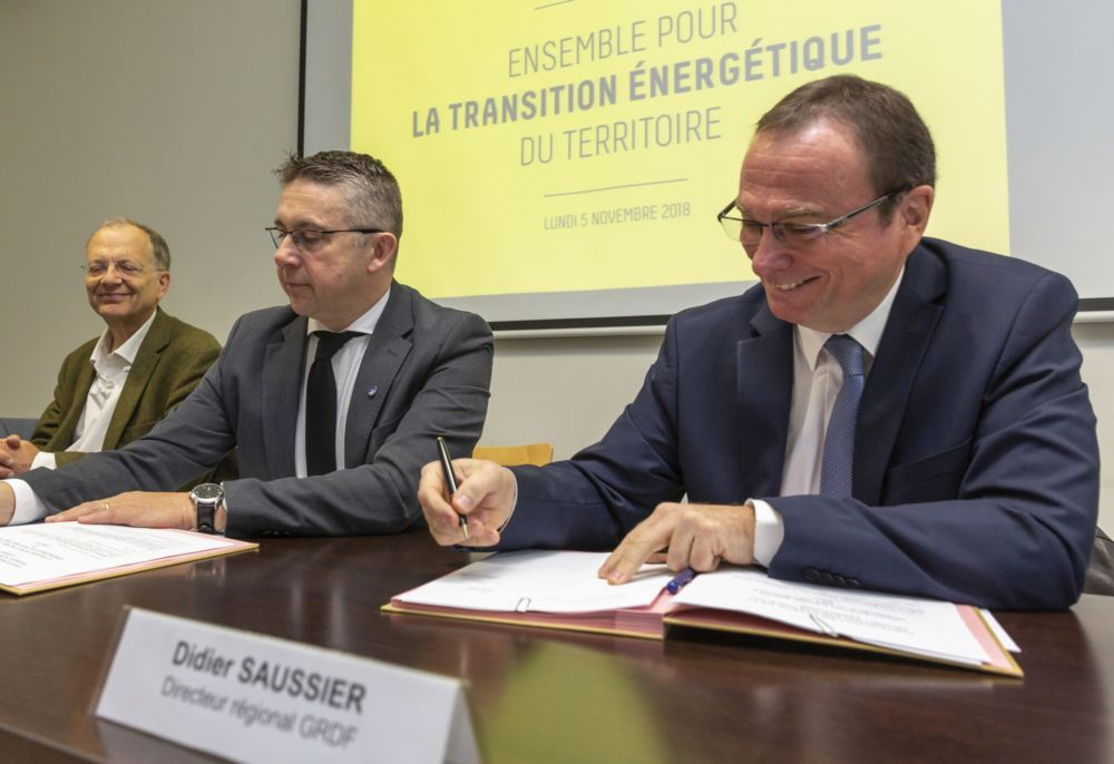 Signature de la convention en faveur de la transition énergétique par la Métropole et GRDF © Grenoble-Alpes Métropole-Lucas Frangella