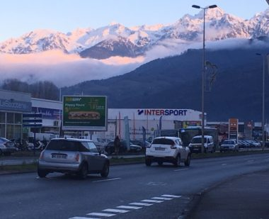 La Métropole de Grenoble travaille à l'élaboration d'un règlement local de publicité intercommunal. Demain, moins de panneaux ? © Patricia Cerinsek