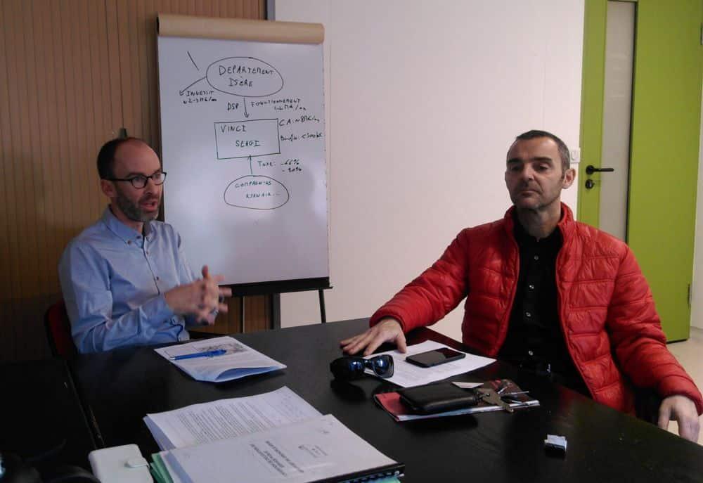 De gauche à droite, Benjamin Trocmé et Olivier Bertrand, élus d'opposition du groupe RCSE © Florent Mathieu - Place Gre'net
