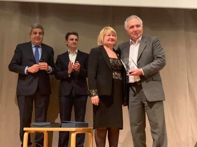 Alain Chouraqui, président de la Fondation Camp des Milles, reçoit le Prix Louis-Blum et la Grande médaille d'or de la Ville de Grenoble. - Photo Facebook
