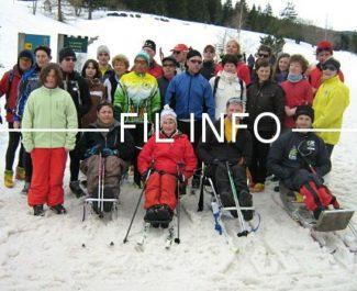 Des membres et dirigeants du Handisport Lyonnais, club qui organise le championnat de France handisport de ski nordique à Corrençon-en-Vercors les 2 et 3 février 2019. © Handisport Lyonnais