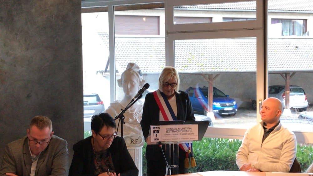 Liliane Dico, élue maire de Saint-Étienne-de-Saint-Geoirs par un Conseil municipal extraordinaire © Saint-Étienne-de-Saint-Geoirs