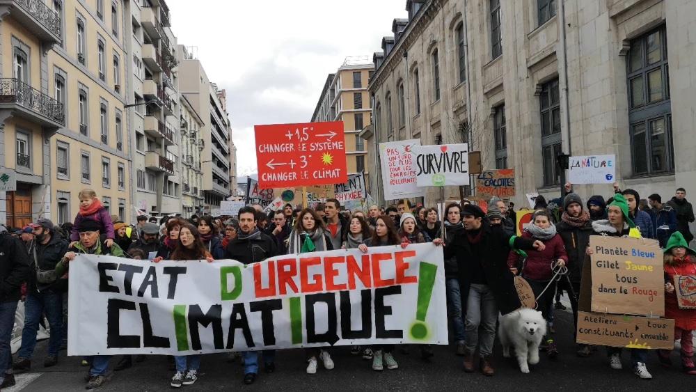 Marche pour le climat à Grenoble © Joël Kermabon - Place Gre'net