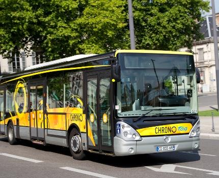 Bus de la ligne Chrono C1. © SEMITAG - P. Paillard