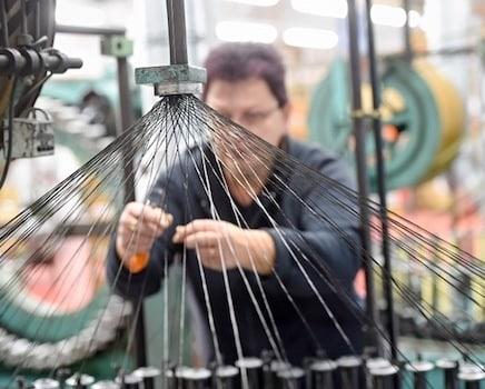 Trois ans après avoir racheté le fabricant de cycle isérois Time Sport, Rossignol s'apprête à délocaliser un peu plus sa production en Slovaquie.