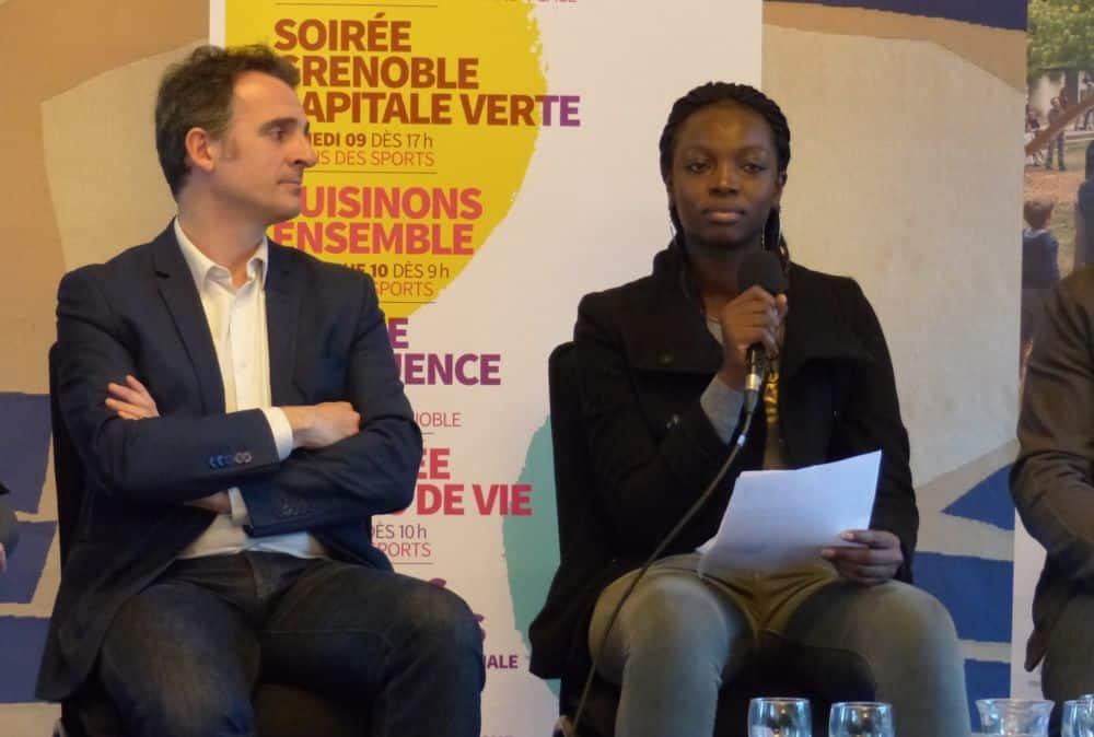 Eric Piolle aux côtés de la comédienne grenobloise Doussou Keita, demandeuse d'asile marraine de la Biennale © Florent Mathieu - Place Gre'net