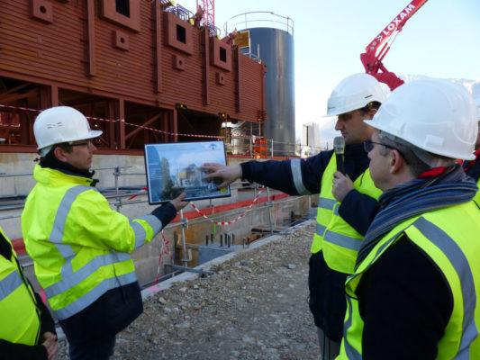 Christophe Ferrari, président de la Métro, et Nicolas Giraud, directeur de mission, sur le chantier de Biomax. © Charles Thiebaud - placegrenet.fr