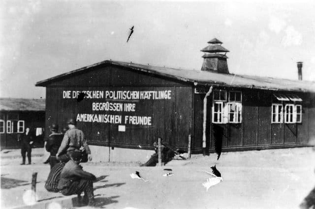 Le camp de concentration de Buchenwald en 1945. Pierre Gascon y perdra son père, également résistant et déporté. DR
