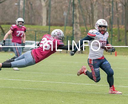 Les Centaures de Grenoble lors de leur victoire chez les Falcons de Bron-Villeurbanne (35-6) le 3 février, premier match de leur saison. © Antoine Buche