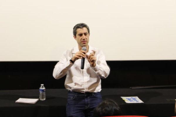 François Ruffin a choisi Grenoble pour débuter, ce vendredi 15 février, la tournée de présentation de son nouveau film documentaire J'veux du soleil.