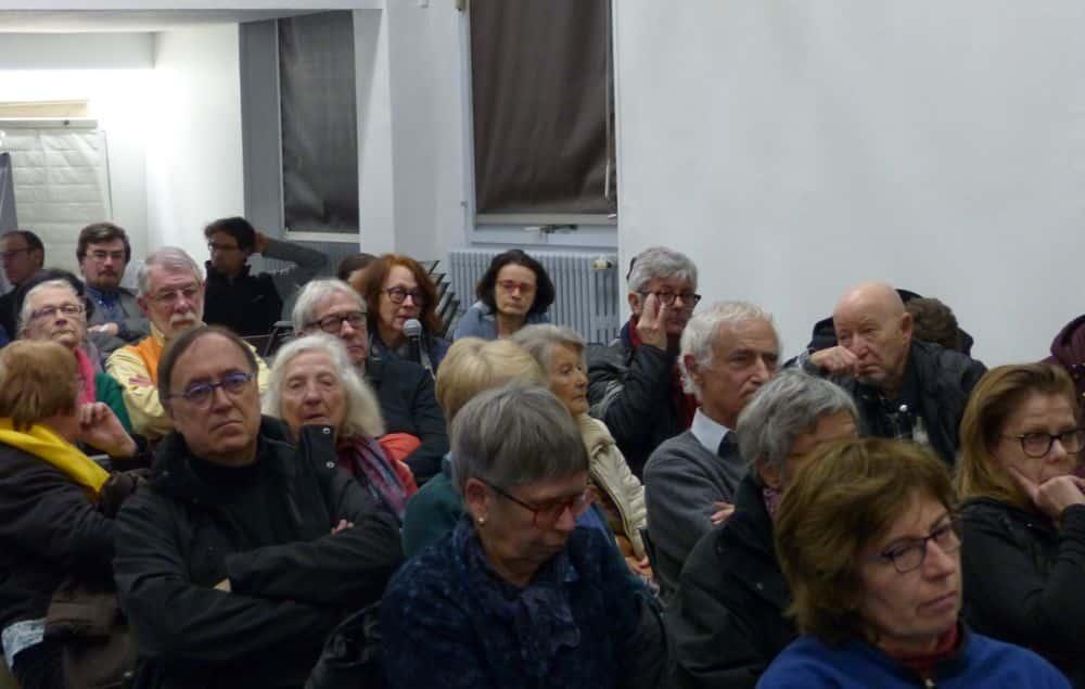 Les habitants ont pu s'exprimer et poser des questions aux élus © Florent Mathieu - Place Gre'net