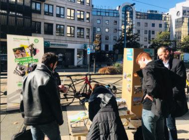 Stand dans la Ville de Grenoble pour le recueil d'idées à l'occasion du budget participatif 2019 DR