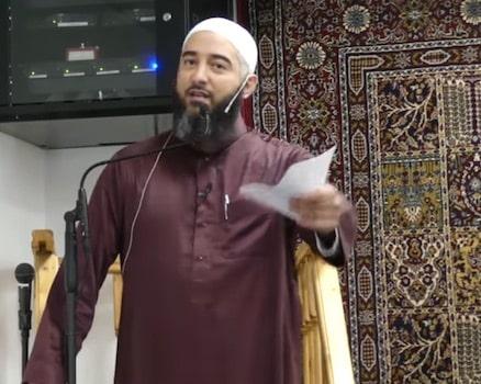 Après Hassan Iquioussen en février dernier, la venue à Échirolles (Isère) de Nader Abou Anas, autre prédicateur controversé, se fait plus discrète.