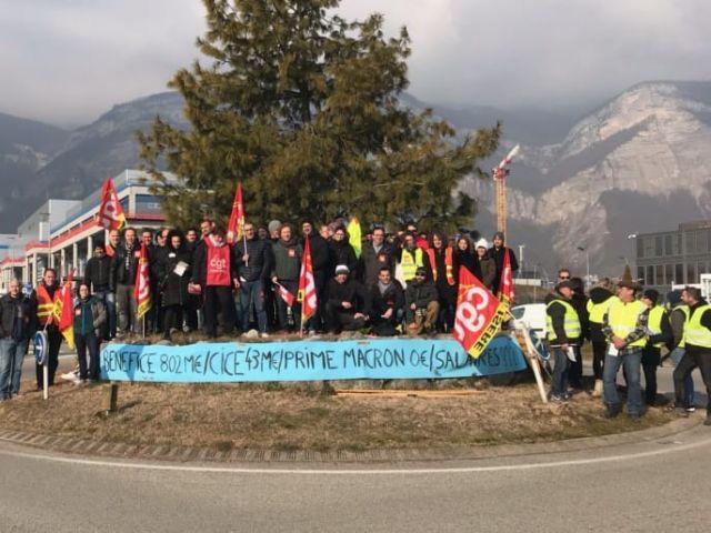 Rassemblement des salariés de STMicroelectronics le 21 janvier. Photo Facebook.