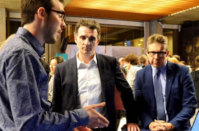 Le maire de Grenoble Éric Piolle et le président de la Métro Christophe Ferrari lors de la soirée de remise des prix de l'édition 2018 du CivicLab © Scop La Péniche
