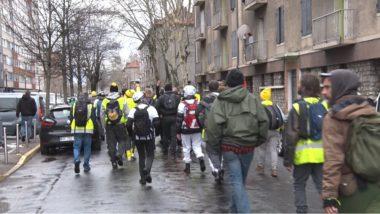 Acte XVII des gilets jaunes de Grenoble. Leur passage à Mistral a suscité la controverse. © Joël Kermabon - Place Gre'net