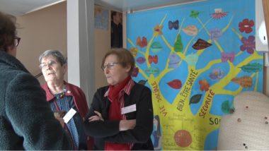 Hélène Goux, la présidente de l'association Femmes SDF accueille les visiteurs. © Joël Kermabon - Place Gre'net