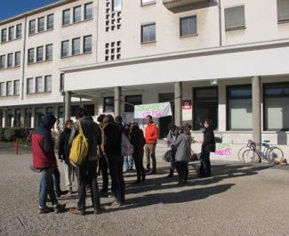 UNE Enseignants-stagiaires de l'Espé de l'Académie de Grenoble en grève, mardi 12 mars 2019. © Séverine Cattiaux - Place Gre'net