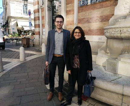 De gauche à droite : Maxence Alloto, co-secrétaire de la section grenobloise du PS et Marie-José Salat, conseillère municipale PS. © Joël Kermabon - Place Gre'net