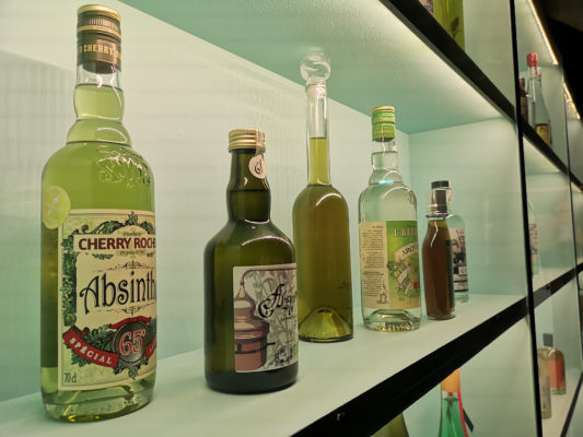 """Le musée Dauphinois accueille jusqu'au 29 juin 2019 l'exposition """"L'ivresse des sommets"""" mettant en lumière le patrimoine hérité des liquoristes alpins.© Joël Kermabon - Place Gre'net"""