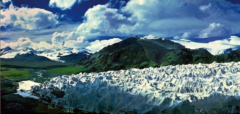 Des chercheurs grenoblois de l'Irstea ont contribué à étudier la fonte des glaciers dans le monde et sa répercussion sur le niveau de la mer.Glacier des monts Tanggula en Chine. DR