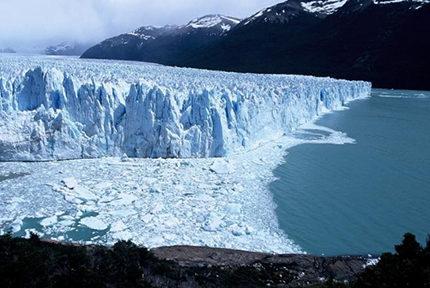 Glacier Marconi et lac Electrico. © E.Thibert-Irstea