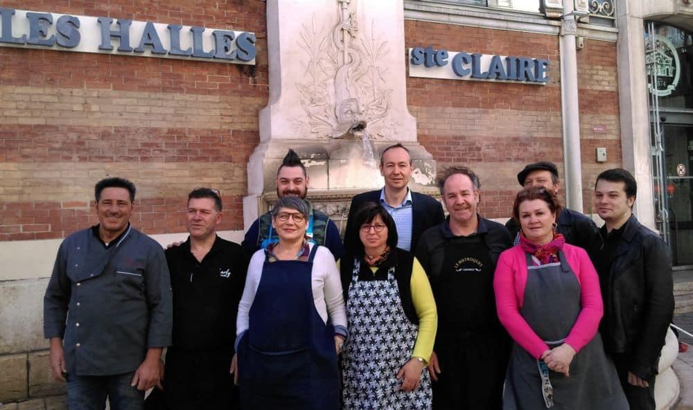 Commerçants des Halles et élus de Grenoble prennent la pose © Florent Mathieu - Place Gre'net
