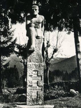 Le Monument du maquisard au col du Lautaret. © Association nationale des anciens des maquis du Grésivaudan