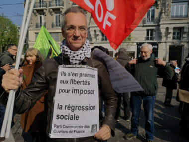 Plus d'une centaine de personnes ont défilé ce samedi 13 avril à Grenoble contre la loi anti-casseurs et pour le droit de manifester.© Joël Kermabon - Place Gre'net
