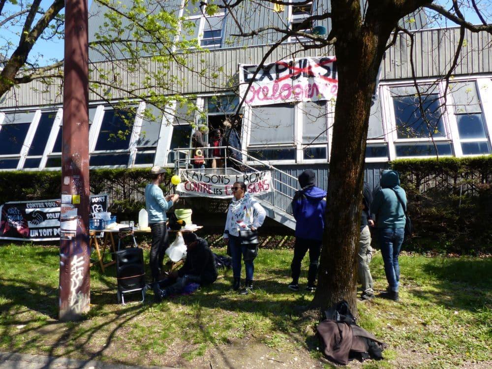 La Ville de Grenoble aurait porté plainte contre le Dal 38. © Florent Mathieu - Place Gre'net