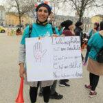 La militante islamiste Taous Hammouti, fer de lance des opérations burqini à Grenoble, portait plainte contre le blogueur Naëm Bestandji.