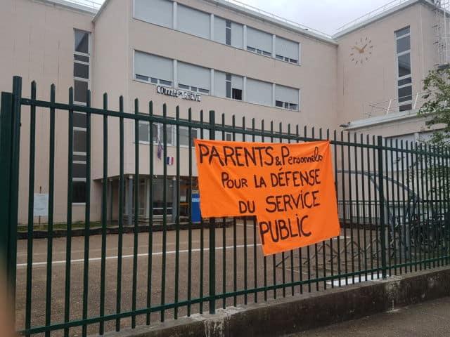 Pas d'école aujourd'hui, au Collège Olympe. Les professeurs étaient en grève.