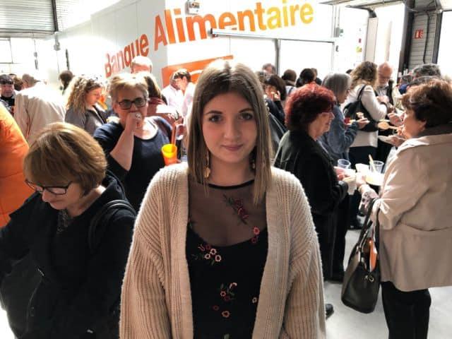 Léa Floriot 20 ans stagiaire à la Banque alimentaire