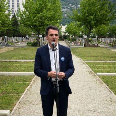 Eric Piolle au cimetière de Grenoble