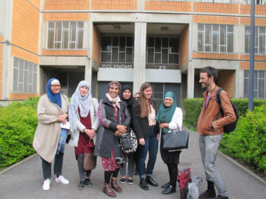 Le groupe des femmes musulmanes qui revendiquent le droit de porter un burkini dans les piscines municipales de Grenoble, soutenues par l'Alliance citoyenne, mardi 21 mai 2019 © Séverine Cattiaux- Place Gre'net