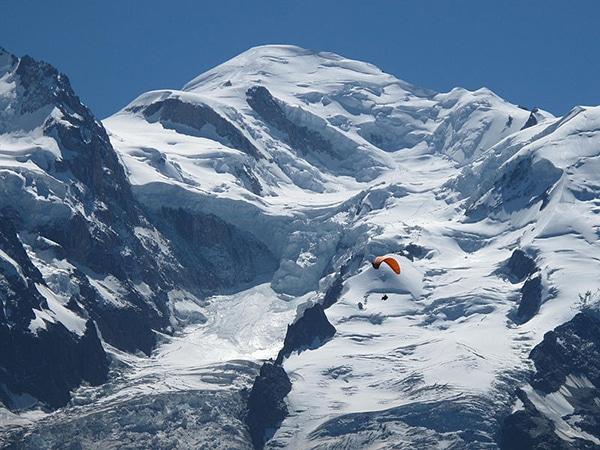 Une équipe internationale a découvert une pollution aux métaux lourds datant de la Rome antique dans les glaces du Mont Blanc. DR