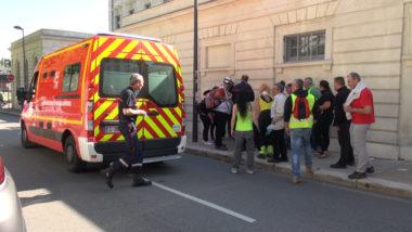 Les pompiers ont pris en charge deux personnes blessées. © Joël Kermabon - Place Gre'net