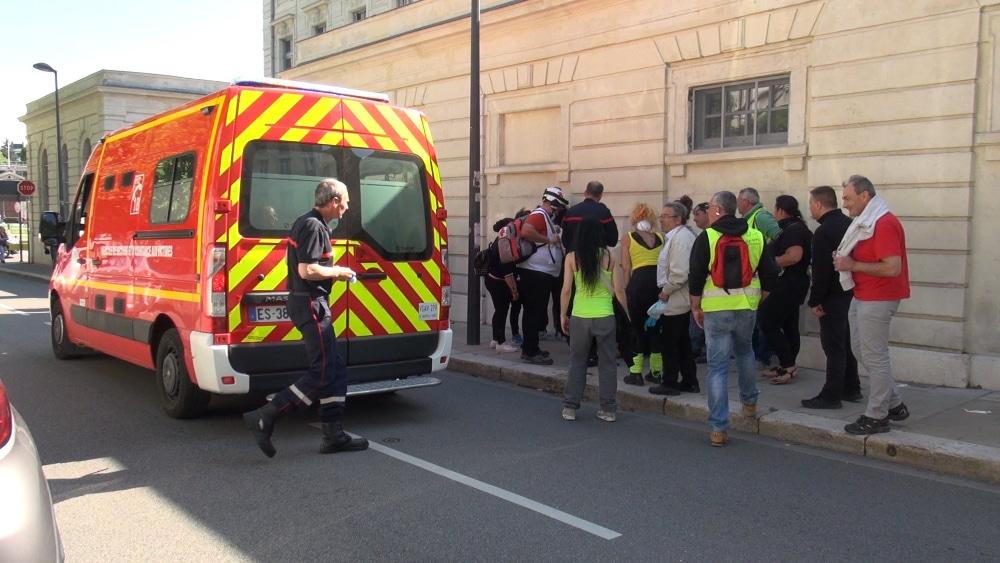 Les sapeurs-pompiers de l'Isère sont en grève jeudi 4 juillet, avec arrêt de travail entre 15 et 16 heures et rassemblement devant l'état-major.Pompiers en intervention. © Joël Kermabon - Place Gre'net