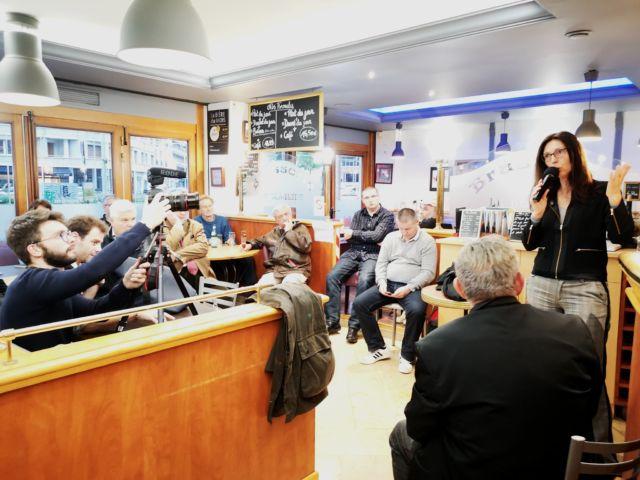 Si Nicolas Dupont-Aignan n'a pas passé par l'Isère dans sa campagne, la numéro 2 de la liste DLF Stéphanie Gibaud tenait meeting à Grenoble le lundi 20 mai © Debout la France 38