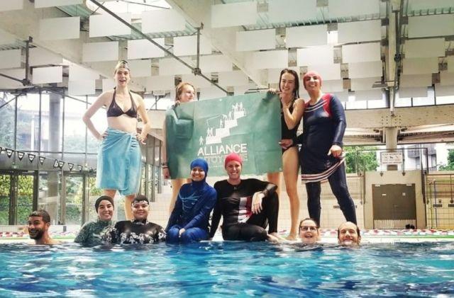 La première action de l'Alliance citoyenne a eu lieu à la piscine des Dauphins en mai 2019 © Alliance citoyenne