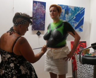 Samedi 8 juin, l'association Kraken'roll organisait la présentation de son exposition de bodypainting « Possibles Futurs - Bodypainting d'anticipation ».