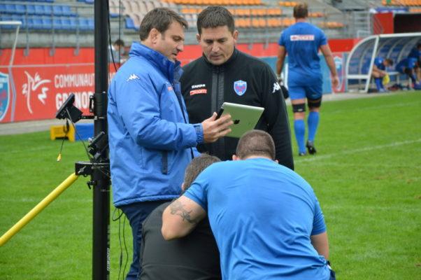 Sylvain Begon, au centre, en 2015, en compagnie de Fabrice Landreau, à gauche, alors manager du FCG. © Archive Laurent Genin
