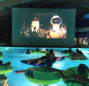 Ciné-piscine. © Cinémathèque de Grenoble